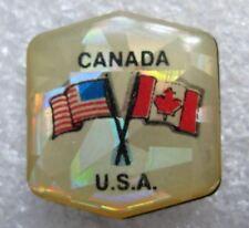 Pin's en Plastique CANADA USA Avec Drapeaux #F2