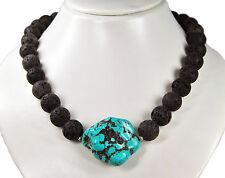 Sehr schöne Halskette aus Lavastein und einem großen Nugget aus Türkis (Howlith)