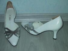 Damenschuh High Heels Feminine Pumps Gr. 41,5 NEU in weiß silbern & Nappaleder