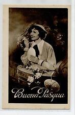 Buona Pasqua Donnina con Uova e Fiori Cappello PC Circa 1930 Italy