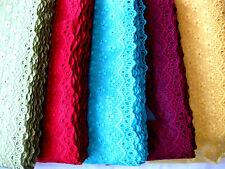 Spitze mit Stickerei in vielen Farben,nicht elasastisch, lfm, 14cm breit  S2