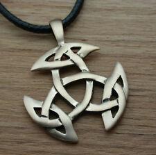 Keltischer Knoten aus Bronze, offene Dreifalt, Ketten-Anhänger, matt o.poliert
