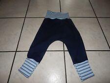 Pumphose aus Stretchjeans blau mit  bunt gesteiften Bündchen Mitwachshose
