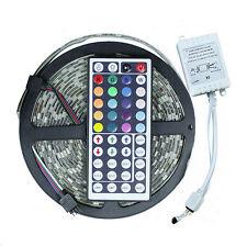Striscia 300 LED SMD5050 RGB IP67 con telecomando IR 44 tasti 5 mt vari effetti