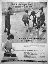 PUBLICITÉ MARGARINE POUR PROTÉGER LEUR CAPITAL VITAMINES - ENFANTS FOOTBALL