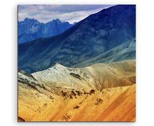 Landschaftsfotografie – Blau orange Berglandschaft, Indien auf Leinwand