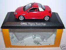 SUPERBE MINICHAMPS OPEL TIGRA TWINTOP 2004 ROUGE 1/43 IN BOX