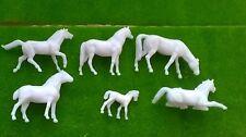1:87 Scale HO/OO Gauge 00 Model Railway Unpainted Horses - Pack of 3 or 6