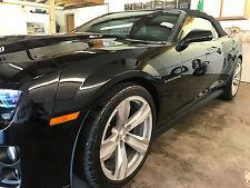 Car polish remove swirl marks enhance gloss prior to waxing