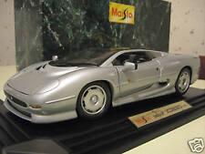 JAGUAR  XJ220 1992 gris silver 1/12 MAISTO 33201 voiture miniature de collection