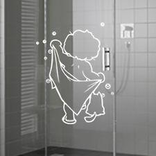 Sticker Garçon et sa serviette, salle de bain 30x19cm à 50x30 cm (SDB001)
