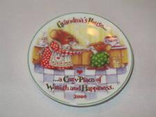 2000 Hallmark Christmas Ornament Grandma's House Plate A Cozy Place Of warmth