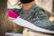 Scopri lo stile cool chic Adidas Originals NMD_R2 PK