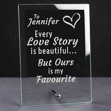 Personalisiert 'Jedem Love Story' Glas Tafel - Geburtstag, Valentins- Geschenk