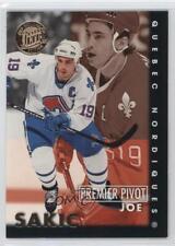 1995 Fleer Ultra Premier Pivot Gold Medallion #8 Joe Sakic Quebec Nordiques Card