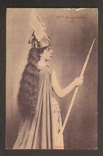 Artiste Théatre Opéra / Mlle BOURGEOIS sur Scene , avec casque à plume & lance