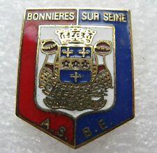 Pin's Ville Ecuson embléme Bonnieres Sur Seine AS BE #1646