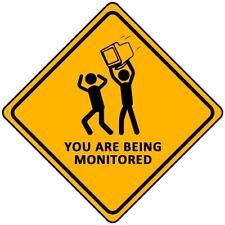 Drôle signe d'avertissement vous sont surveillés autocollant auto adhésif