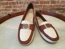 Isaac Mizrahi Raquel Natural Canvas & Brown Leather Trim Moccasin NEW