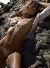 Jessica Biel Unsigned 8x10 Photo (55)