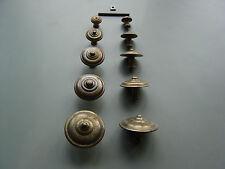 Auswahl an massiven Möbelknöpfen - Bronze gealtert-antik mit Befestigung 1553
