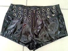 Lackina:  knackige Lack Hot Pants mit Nieten,Gr. S-4XL