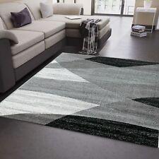 Alfombra de diseño con dibujo geométrico  para el salón en gris blanco y negro
