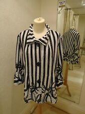 Frank Lyman Black/Off White Print Sparkle Jacket 196486
