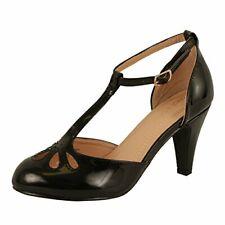 Chase & Chloe Kimmy-36 Teardrop Cut Out T-Strap Mid Heel Dress Pump Black Patent