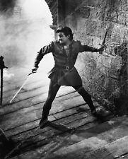 0946-28 Robert Taylor film scene Ivanhoe 946-28