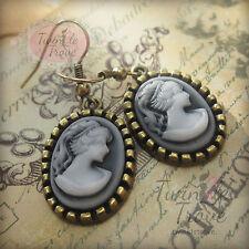 Style vintage Cameo Tête Figure Dangle Boucles d'oreilles pendantes ton bronze antique.