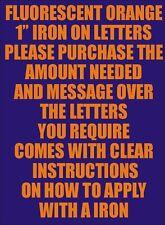 Un pouce flo orange fer sur des caractères-lettres ou chiffres vinyle d'impression