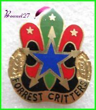 Pin's FORREST CRITTERS double attache Croix plume etoile #805