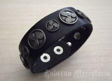 Keltisches Lederarmband mit Triskelen - Schwarz oder Braun - Armband, Leder