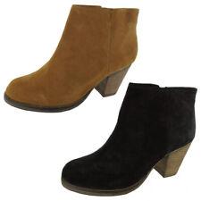 Steve Madden Womens 'Righton' Booties Shoe