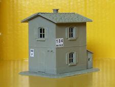 Casello ferroviario FS stile Italiano con magazzino Kit scala HO - 1:87  - Krea