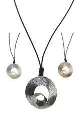 Damen-Halskette mit Lederhalsband und Metall-Muschel Neu Drei Farben