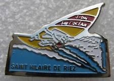 Pin's Ville Saint Hilaire de Riez sufer planche à voile #484