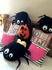 "10"" x 10"" Mosos Decorative Mini Throw Pillows Spider, Pumpkin, Heart, Arrow MPH1"