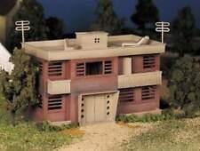 BACHMANN PLASTICVILLE APARTMENT BUILDING O GAUGE KIT