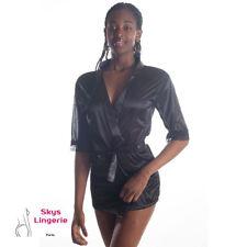 Olivia, ensemble veste satin et mini string coloris noir skys lingerie
