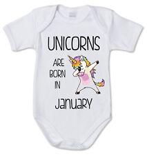 BODY tutina bimbo neonato J2072 Unicorns Are Born In Gennaio Unicorno Compleanno