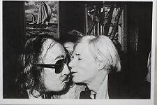 ANDY WARHOL KISSING SALVADOR DALI  Art-Postcard  NEW