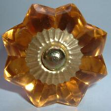 armoire de verre et meuble tirer en forme fleur bouton porte socle laiton