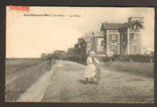 ASNELLES-SUR-MER (14) VILLAS sur DIGUE animé en 1910