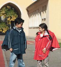Regencape Kinder Poncho speziell für Schulranzen von Playshoes