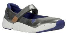 Zapatos De Cuero Clarks Tri Ritmo Niñas Gun Metal Plata 9 - 2 FG Fit Nueva En Caja