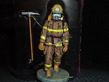 Pompier Canadien en tenue de feu de QUEBEC de 2003