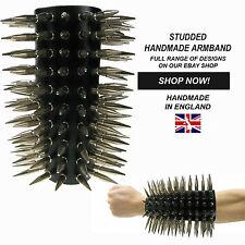 Gótica hecha a mano en Inglaterra Spike tachonado Ajustable Brazalete auténtico cuero 100%