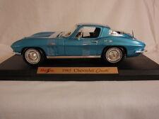 1965 Chevrolet Corvette Coupe - Metal Die Cast 1/18 Scale Model Car